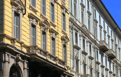 Facciate di palazzi colorati Milano